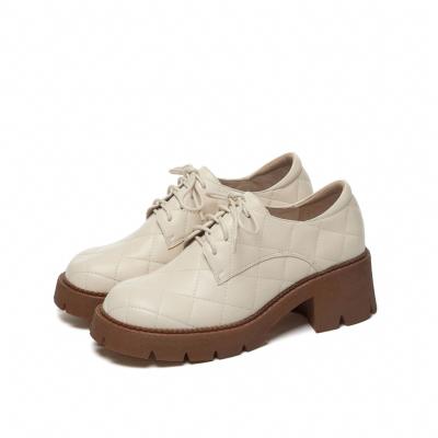 ホワイト 本革 レースアップ 厚底5.5cm 履き心地靴