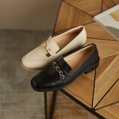 本革 ゴールド バックル フラットシューズ ローファー 歩きやすい靴