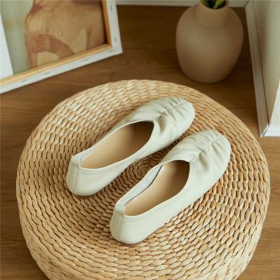 ホワイト 本革 フラットシューズ 歩きやすい靴 ぺたんこシューズ