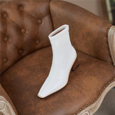 秋冬新作 ホワイト 人気 編み込みデザイン 型押し アンクルブーツ ジープショートブーツ
