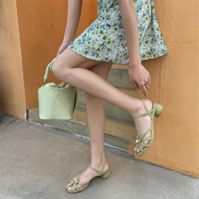グリーン 本革 可愛い 10代20代 ストラップサンダル 花の革バックル 美脚夏サンダル