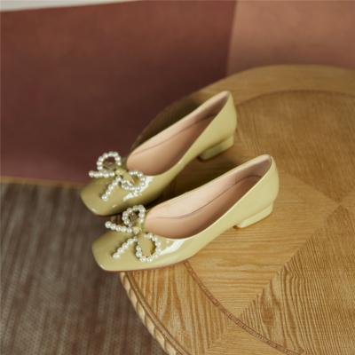 パテントレザー  パール結び ローヒール バレエシューズ 大人の可愛い靴
