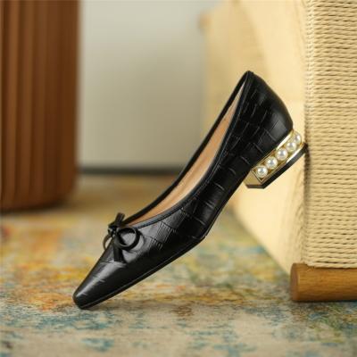ブラック 本革 クロコ型押し 蝶結び ローヒール 歩きやすい靴 パール足底 カジュアルぺたんこ