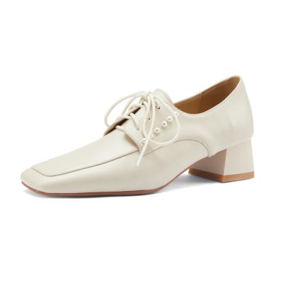 白い 春コーデ 本革 パールディテールの3.5cmレースアップ ドレスシューズ 2色 レトロ風 スクエアトゥ
